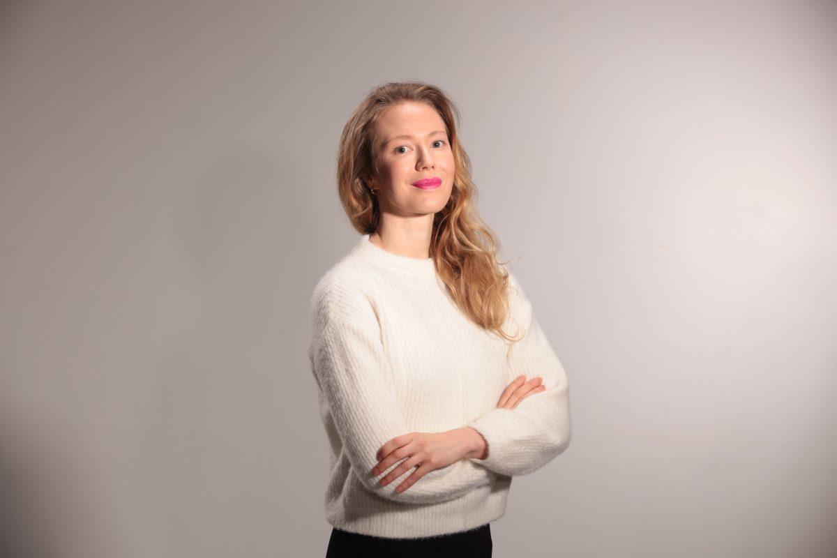Näyttelijä Heidi Ajanto. Kuva: Jukka Kontkanen