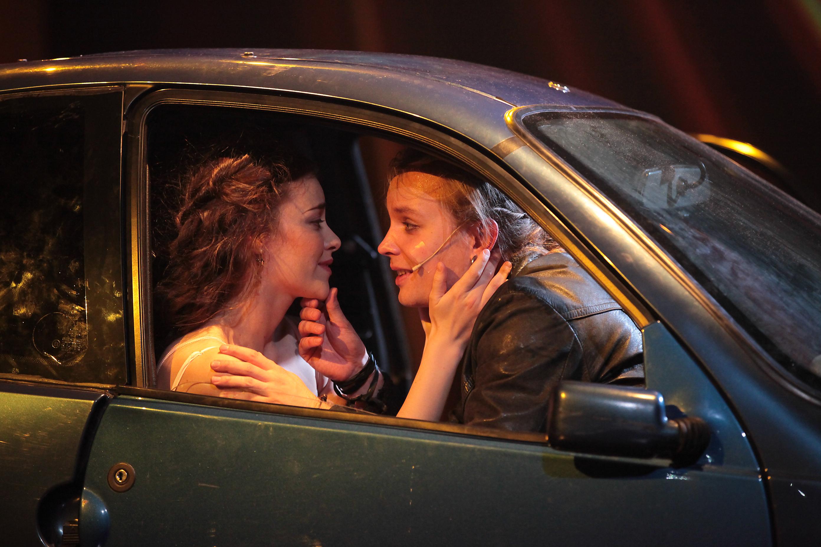Romeo ja Julia. Anna Ackerman ja Topi Kohonen.