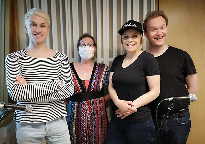 Lämpiöelämää 9. Christoffer Strandberg, Jelena Jokelin, Irina Isberg ja Antti LJ Pääkkönen.