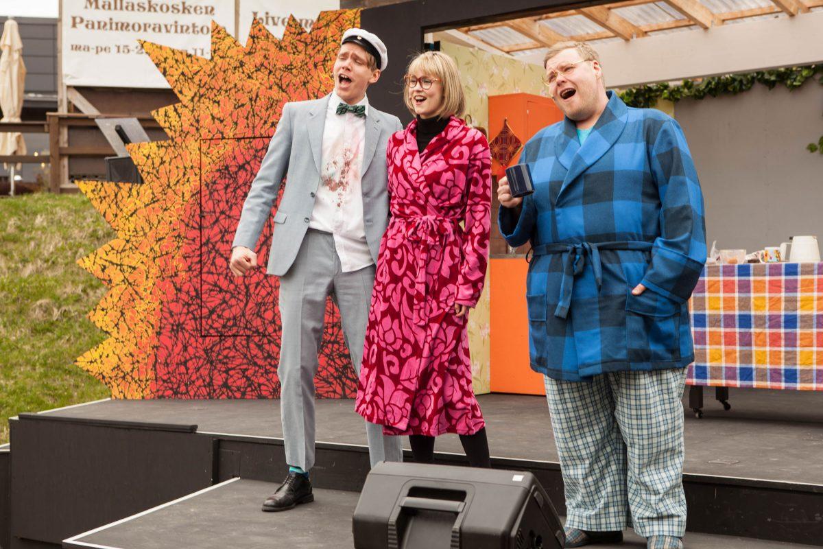 Myymälävarkaan käsikirja. Emil Kihlström, Katriina Sinisalo ja Juha Suihko.