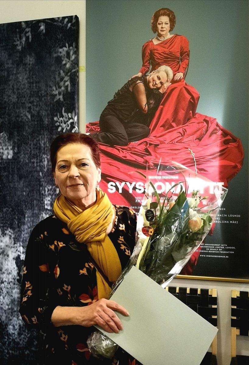 Näyttelijä Sari Jokelin.