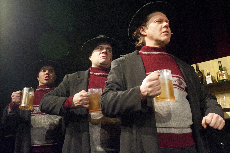 Herttin tähäre. Ville Orttenvuori (vas.), Jari Pylväinen ja Heikki Vainionpää.