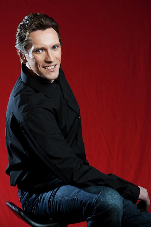Vampyyrien tanssi. Jyri Lahtinen.